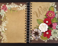 Agenda permanente decorada em scrapbook