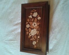 caixa de madeira maci�a decorada