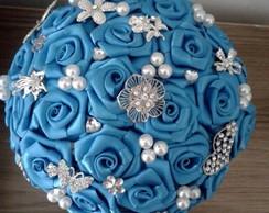 Buqu� de broches azul turquesa