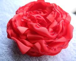 Flor vermelha para cabelo