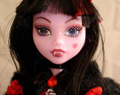 Boneca Monster High Draculaura Red
