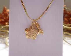 Colar Mini Relic�rio Estrelinha dourada