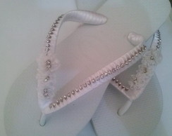 Chinelo customizado com Strass