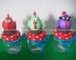 Potinhos decorados com a Turma da Galinh