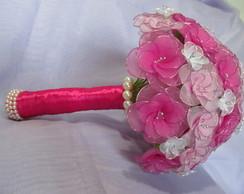 Buqu� de noiva em meia de seda rosa