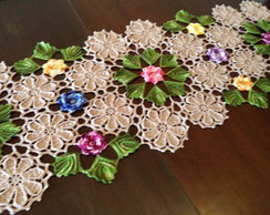 Caminho de mesa tr�s aros com flores