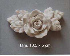Rosa com folhas, em branco