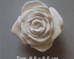 Rosa de resina em branco, pequena.