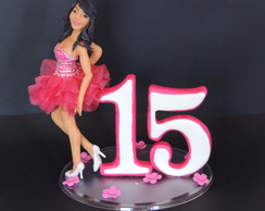 topo de bolo debutante com vestido rosa