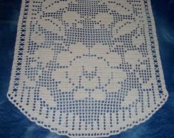 Caminho de mesa em croch� fil�