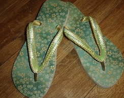 Chinelo Decorado: macram� e strass
