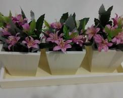 Trio de Vasos com Bandeja e Flores