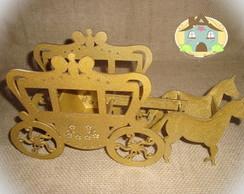Carruagem em MDF com 2 cavalos - Dourada