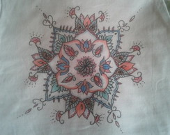 Camiseta Mandala Colorida