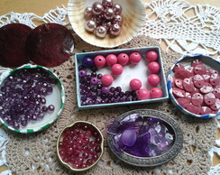 Material - Contas roxas e rosas