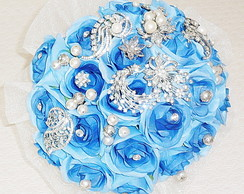 Bouquet azul com broches