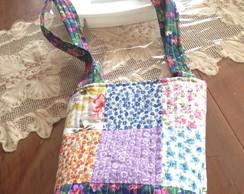 bolsa artesanal em patchwork e quiiltada