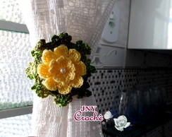 Prendedor de cortina de croch� com flor