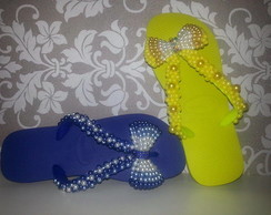Chinelos com P�rolas Blue and Yelow