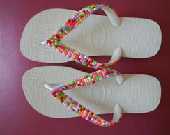 Havaiana tira colorida