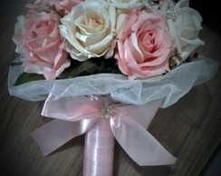 Buqu� Paris - flores e broches P.Entrega