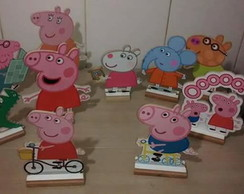 Display MDF Pepa Pig com 10 pe�as
