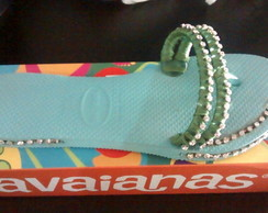 Havaiana customizada com strass
