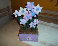 Cachep� M com flores- Lil�s