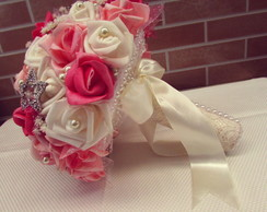 Buque Pink com broches e p�rolas