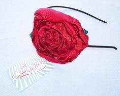 Tiara e Flor Vermelha