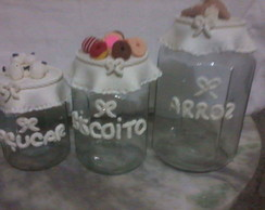 Potes decorados com bisquit
