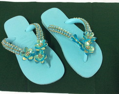 Chinelo Customizado com Pedrarias