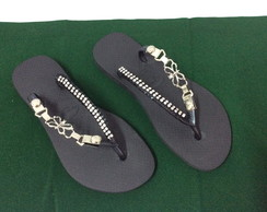 Chinelo Customizado com Fivela e Strass