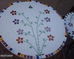 Tampo para mesa em mosaico.