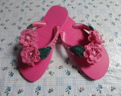Chinelo decorado em croch�