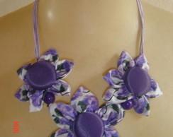 colar de flor de tecido
