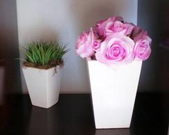 Vaso com rosas lil�s