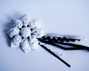 broche-pure-white