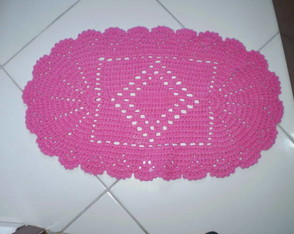 tapete-de-barbante-oval-pink