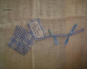 lembrancinha de tecido em formato de pip