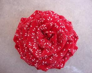 broche vermelho floral 02