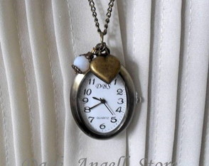 colar-relogio-oval-magical-time