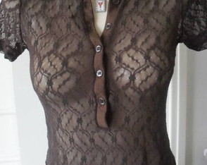 off-blusa-renda-dark-chocolat