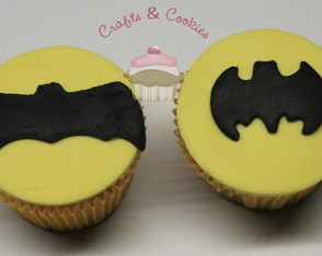 mini-cupcake-batman