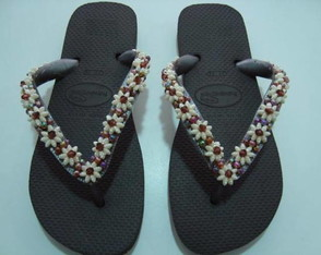 chinelo-customizado-com-flores