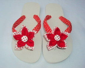 chinelo-poa-flor