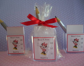 mini-porta-bloquinho-com-ima-minnie