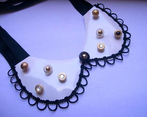 golinha-necklace-bottons