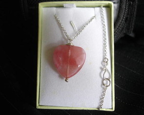 gargantilha-cherry-quartz-heart