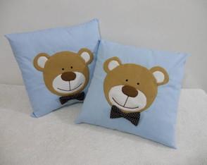 Almofada azul com ursinho